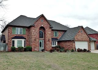 Pre Foreclosure in Ponca City 74604 MOCKINGBIRD DR - Property ID: 1405580475