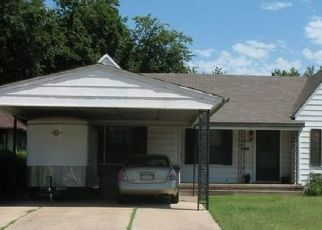Pre Foreclosure in Lawton 73507 NW MAPLE AVE - Property ID: 1405612445