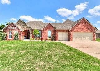 Pre Foreclosure in Edmond 73034 VENEZIA LN - Property ID: 1405655815