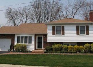 Pre Foreclosure in Babylon 11702 ANNUSKEMUNNICA RD - Property ID: 1406260651