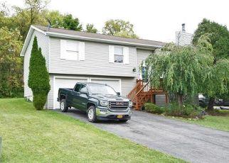 Pre Foreclosure in Manlius 13104 LEDYARD DR - Property ID: 1406328535