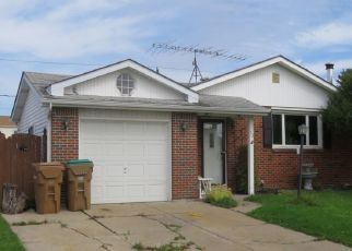 Pre Foreclosure in Buffalo 14227 W TOULON DR - Property ID: 1406337741