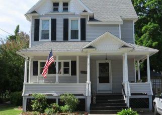 Pre Foreclosure in Naugatuck 06770 TROWBRIDGE PL - Property ID: 1406434520