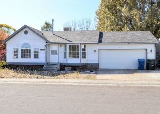 Pre Foreclosure in Elko 89801 N HOLLOW DR - Property ID: 1406641690