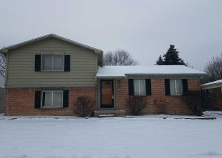 Pre Foreclosure in Clinton Township 48038 WALKER ST - Property ID: 1407006517