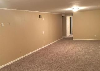 Pre Foreclosure in Louisville 40291 FAIRGROUND RD - Property ID: 1407791362