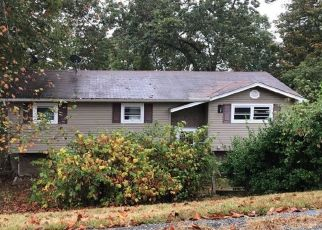 Pre Foreclosure in Ashland 41102 GREENHILL RD - Property ID: 1407815455