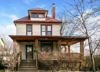 Pre Foreclosure in Oak Park 60304 S OAK PARK AVE - Property ID: 1408167142
