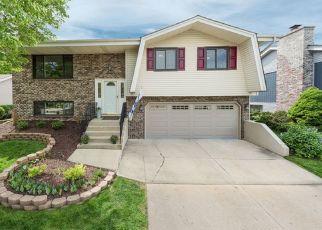 Pre Foreclosure in Bloomingdale 60108 CAMBRIDGE LN - Property ID: 1408281457
