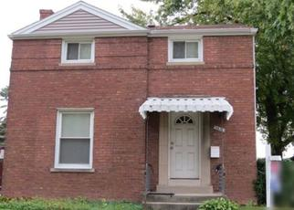 Pre Foreclosure in Berwyn 60402 CUYLER AVE - Property ID: 1408290210
