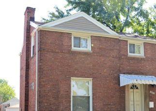 Pre Foreclosure in Berwyn 60402 CUYLER AVE - Property ID: 1408290210