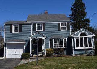 Pre Foreclosure in Stratford 06614 RAVEN TER - Property ID: 1408653746