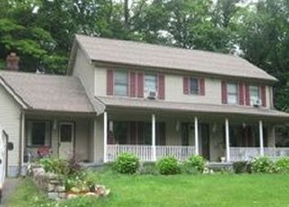 Pre Foreclosure in New Fairfield 06812 WARWICK RD - Property ID: 1408663372