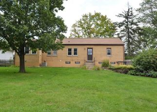 Pre Foreclosure in Downers Grove 60515 VICTOR ST - Property ID: 1408713748