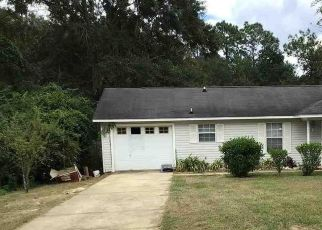 Pre Foreclosure in Cantonment 32533 GREENBERRY DR - Property ID: 1408891558