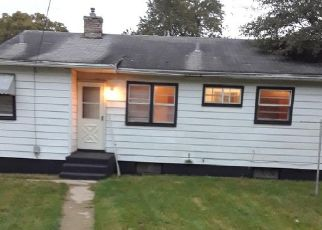 Pre Foreclosure in Rockford 61101 SHERMAN AVE - Property ID: 1409520940