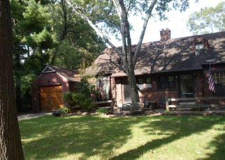 Pre Foreclosure in Dearborn 48120 ABBOTT LN - Property ID: 1409555527