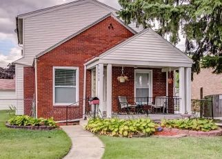 Pre Foreclosure in Allen Park 48101 HANOVER AVE - Property ID: 1409578742