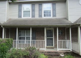 Pre Foreclosure in Hampton 23666 CORWIN CIR - Property ID: 1409733340