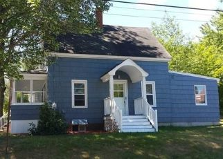 Pre Foreclosure in Lewiston 04240 FARWELL ST - Property ID: 1409906342
