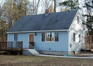 Pre Foreclosure in Sebago 04029 RIDGE CIR - Property ID: 1409915993