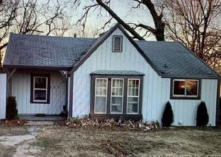Pre Foreclosure in Claremore 74017 S CHICKASAW AVE - Property ID: 1410029415