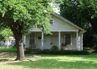 Pre Foreclosure in Fort Worth 76114 WHITE OAK LN - Property ID: 1410327680