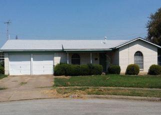 Pre Foreclosure in Haltom City 76117 SOLONA CIR N - Property ID: 1410329424
