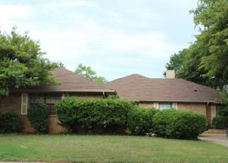 Pre Foreclosure in Bedford 76021 TEAL LN - Property ID: 1410397311