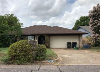 Pre Foreclosure in Fort Worth 76133 PENHURST DR - Property ID: 1410442872