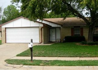 Pre Foreclosure in Fort Worth 76112 PORTMAN AVE - Property ID: 1410448103
