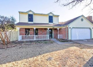 Pre Foreclosure in Arlington 76018 VALLEY MILLS DR - Property ID: 1410475717