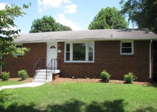 Pre Foreclosure in Clarksville 37042 FOUNTAINBLEAU RD - Property ID: 1410514243