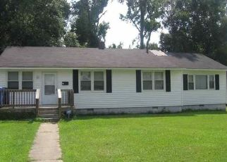 Pre Foreclosure in Jacksonville 28540 NELSON CT - Property ID: 1410713533