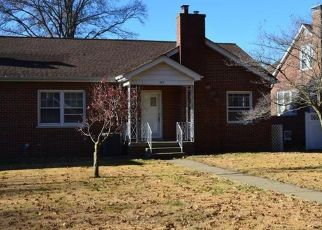 Pre Foreclosure in East Saint Louis 62201 MISSOURI AVE - Property ID: 1411047261