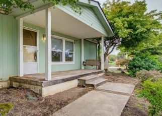 Pre Foreclosure in Mcminnville 97128 NW CYPRESS ST - Property ID: 1411669180