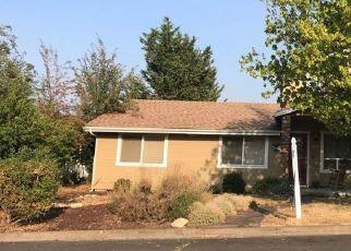 Pre Foreclosure in Ashland 97520 VORIS AVE - Property ID: 1411671825