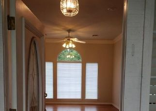 Pre Foreclosure in Choctaw 73020 HIDDEN VALLEY LN - Property ID: 1411764673
