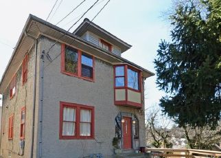 Pre Foreclosure in Cincinnati 45209 MAPLE DR - Property ID: 1411991989
