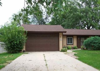 Pre Foreclosure in Lincoln 68506 OAKDALE AVE - Property ID: 1412746606