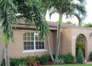 Pre Foreclosure in Miami 33175 SW 140TH CT - Property ID: 1413142533