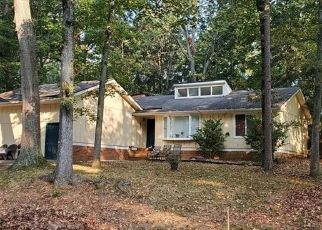 Pre Foreclosure in Charlotte 28212 PINEBOROUGH RD - Property ID: 1413241969