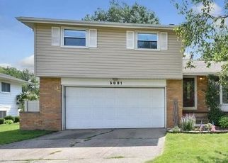 Pre Foreclosure in North Olmsted 44070 SHERWOOD DR - Property ID: 1413415840