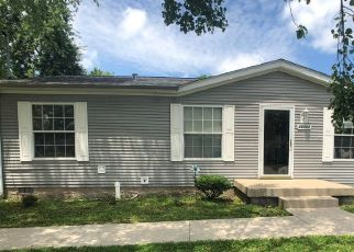 Pre Foreclosure in Louisville 40272 GALSTON BLVD - Property ID: 1413746950