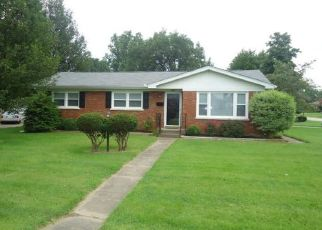 Pre Foreclosure in Louisville 40219 APEX DR - Property ID: 1413749119
