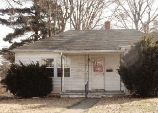 Pre Foreclosure in Tell City 47586 11TH ST - Property ID: 1413838923