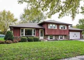 Pre Foreclosure in South Elgin 60177 RENEE DR - Property ID: 1413903737