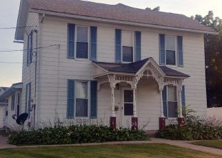 Pre Foreclosure in Muscatine 52761 LUCAS ST - Property ID: 1414160382