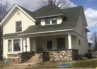 Pre Foreclosure in Kendallville 46755 W WILLIAMS ST - Property ID: 1414206371