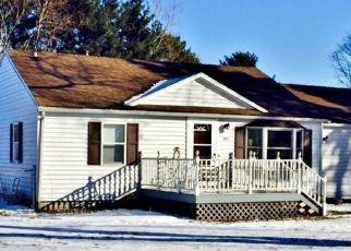Pre Foreclosure in Wanatah 46390 S 1010 W - Property ID: 1414226520